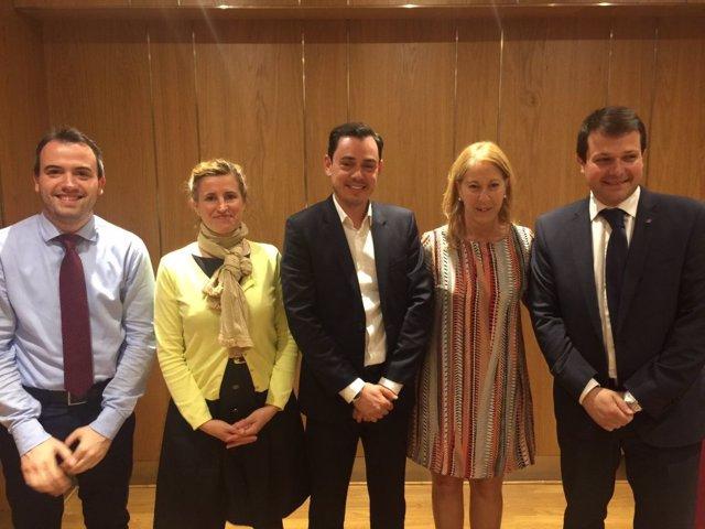 Reunión de líderes de Llibergència con la consellera Neus Munté