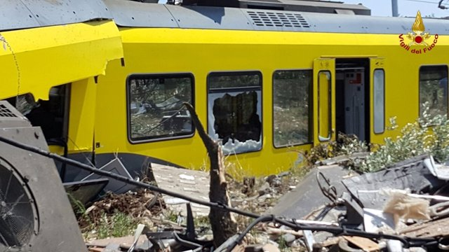 Asciende a 27 el balance de muertos tras el choque frontal de dos trenes en Italia