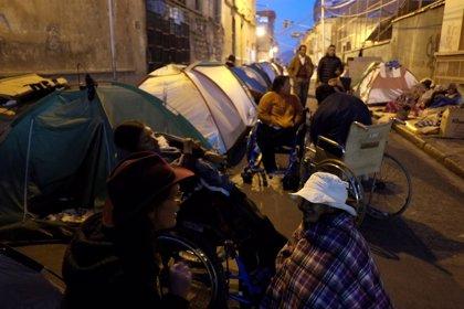 Los discapacitados bolivianos acceden a levantar la acampada en La Paz