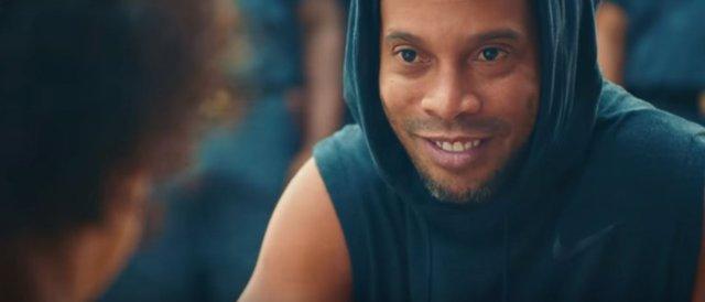 Anuncio XXL con Ronaldinho