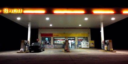 La gasolina se abarata un 1,26% y el gasóleo un 0,85%en el cambio de quincena de julio