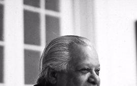 """Nicolás Guillén, el poeta que reivindicó el """"color cubano"""""""