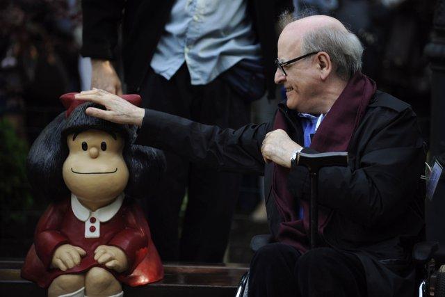 Quino, autor de Mafalda en la ceremonia del Príncipe de Asturias 2014