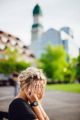 Mujer triste, ansiedad, apatía