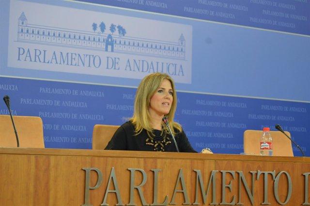 Ana Mestre (PP-A) en rueda de prensa en el Parlamento andaluz