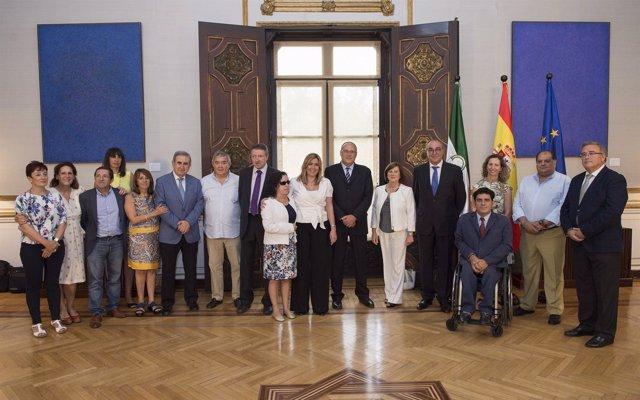 Susana Díaz preside la constitución de la Comisión de la Mesa del Tercer Sector