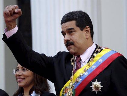 Varios exministros chavistas exigen el revocatorio contra Nicolás Maduro