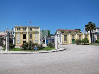 Los primeros contratos para la vuelta de trabajadores de Sniace a la fábrica de Torrelavega se firman hoy