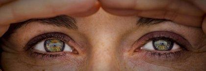Más de la mitad de españoles piensa que los ojos son la parte del cuerpo que más seduce