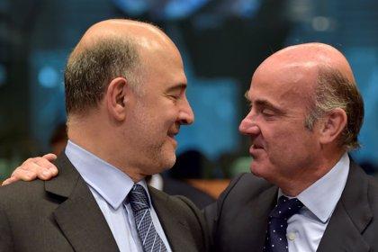 Guindos y Moscovici abordarán este fin de semana la posible multa a España