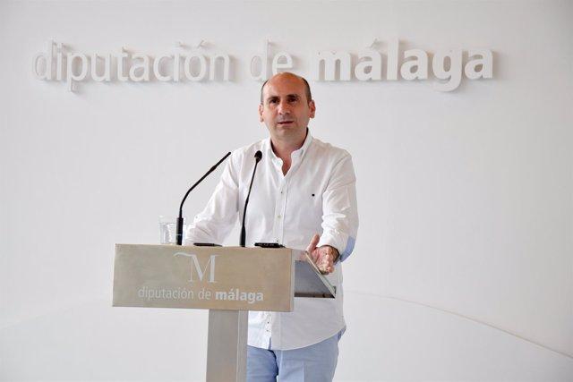 El portavoz provincial del PSOE, Francisco Conejo, en rueda de prensa