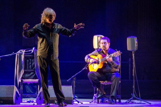 José Mercé en su actuación en el 50º Festival de Flamenco de Almería