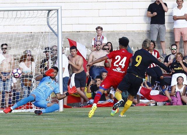Fernando Torres marca en el primer partido de pretemporada