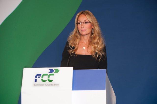 Esther Alcocer Koplowitz,