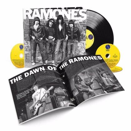 El debut de los Ramones, reeditado por su 40 aniversario con material extra