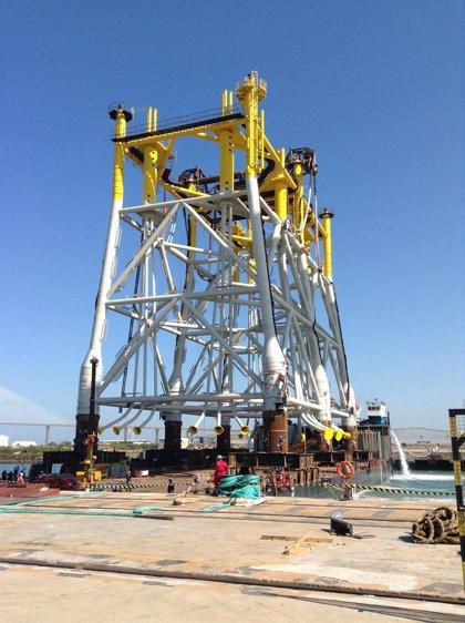 Navantia realiza el embarque de la 'jacket' de la subestación Wikinger para Iberdrola