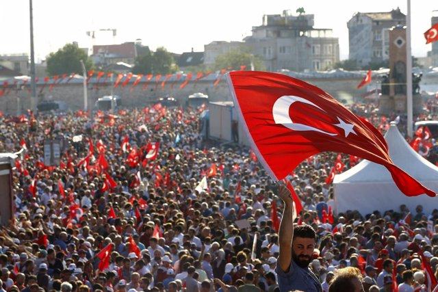 Manifestación en la plaza Taksim de Estambul