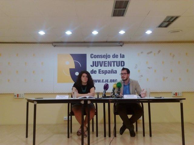 Presidenta del Consejo de la Juventud de España, Julia Chica, y el responsable d