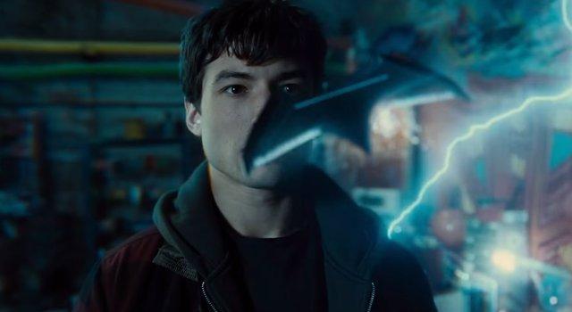 Ezra Miller como The Flash en La liga de la justicia