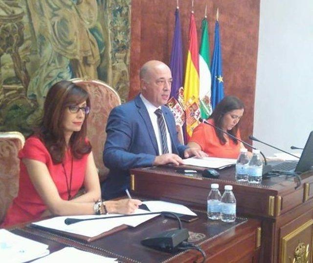 Antonio Ruiz preside el Pleno