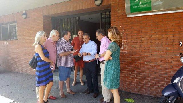 Imagen a la entrada del centro de salud Huertas del Rey.