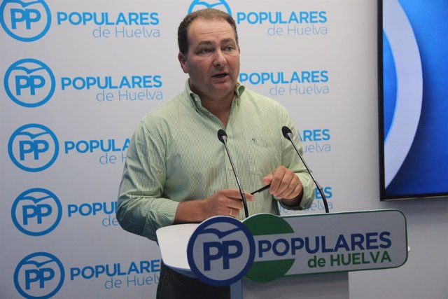 David Toscano en la sede del PP