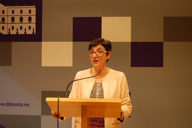 La diputado explica los acuerdos de la Comisión