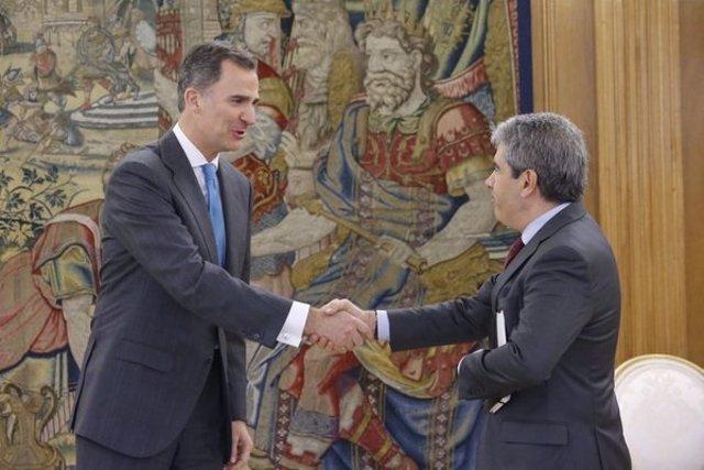Felipe VI con Francesc Homs