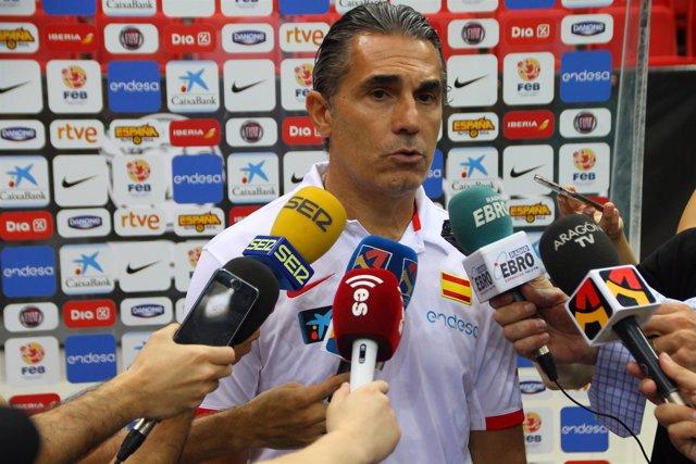 Sergio Scariolo atiende a los medios