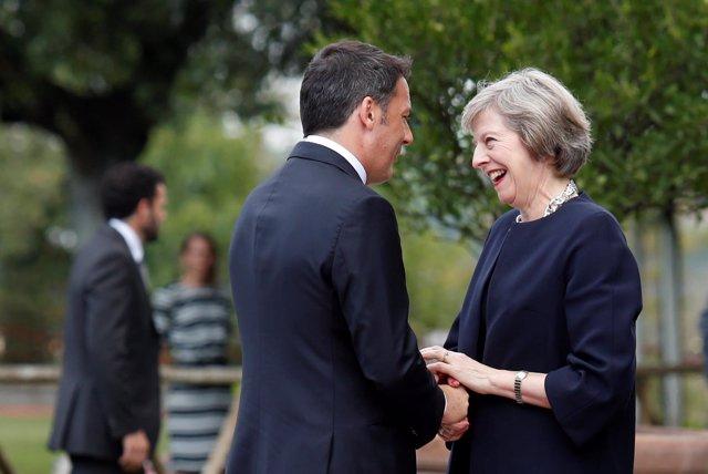 Matteo Renzi y Theresa May
