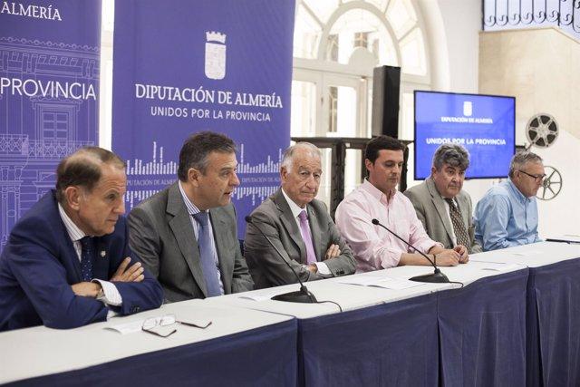 Diputación y Endesa firman un convenio para garantizar el suministro eléctrico.