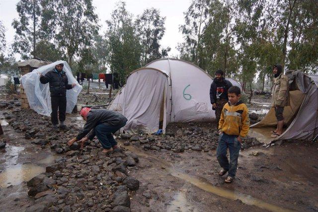 Población civil en la ciudad siria de Quneitra