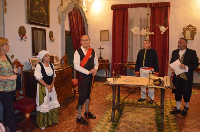 Visita teatralizada en el Palacio Valdeolivos de Fonz