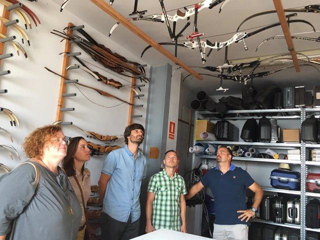 Visita de Ruth Mateu a Es Cubells, en Ibiza