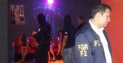 Detenida una banda de extorsionistas dueños de prostíbulos, moteles y armas en El Salvador