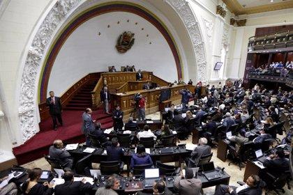Los tres diputados suspendidos de la MUD recuperan su escaño en el Parlamento venezolano