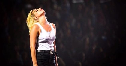 Lady Gaga versiona a The Beatles, Neil Young, Woodie Guthrie y Edith Piaf