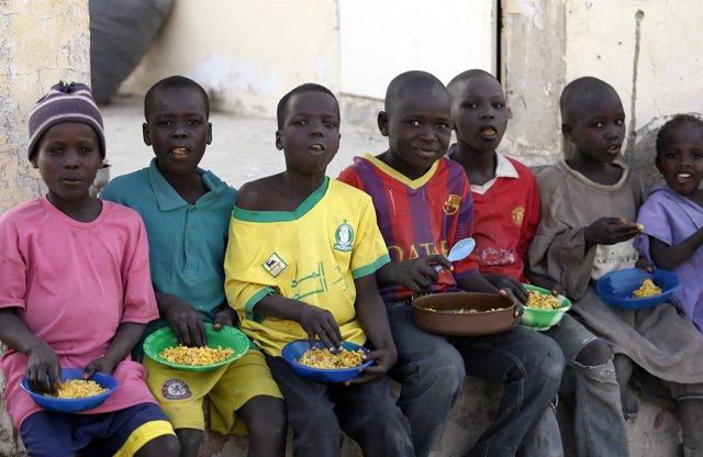 Niños nigerianos desplazados por la violencia de Boko Haram.