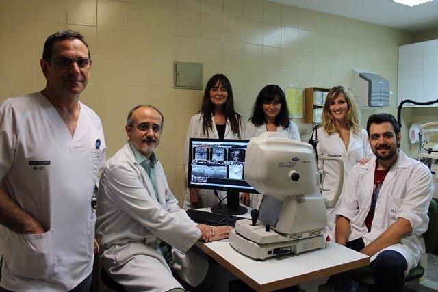 El Hospital Clínico pide extremar medidas de higiene en el uso de lentillas