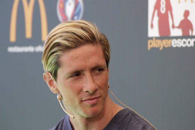 Fernando Torres en evento de Mcdonals Player Escort