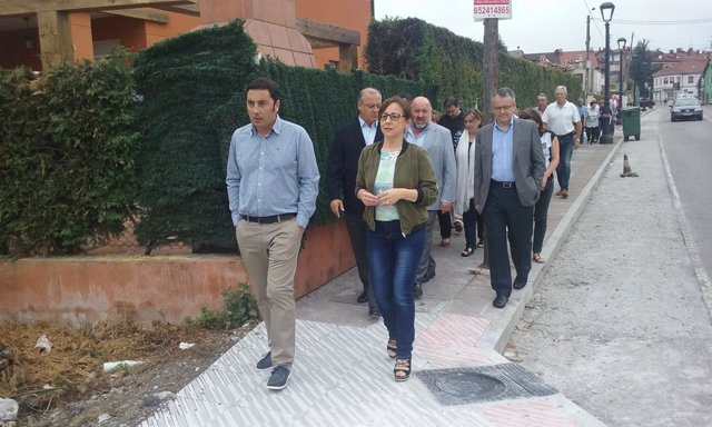 Belén Fernández visita las obras de la carretera de Lugo de Llanera a Silvota.