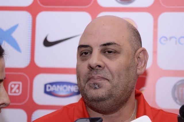 Lucas Mondelo, entrenador de la selección española de baloncesto femenino