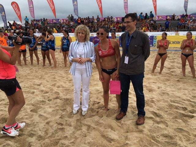 La vicepresidenta en las semifinales del Campeonato de España de Balonmano Playa