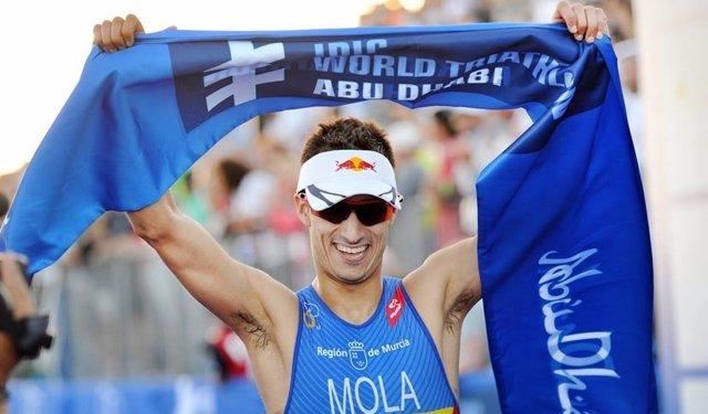 Mario Mola triatlón Series Mundiales Abu Dabi