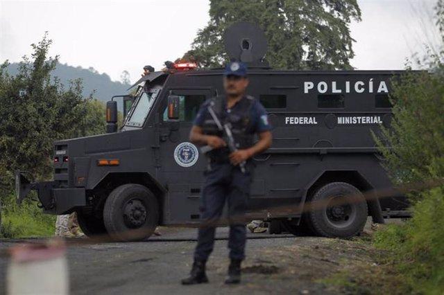 Un camión de la Policía Federal Ministerial