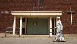 Musulmanes asisten a las misas en Francia e Italia por el sacerdote católico asesinado en Normandía