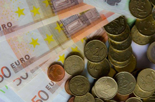 Monedas, moneda, billete. Billetes, euro , euros, capital, efectivo, metálico