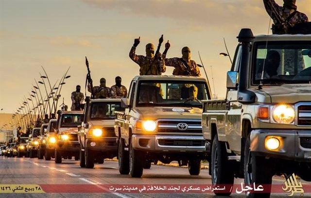 Exhibición de Estado Islámico en Sirte, Libia