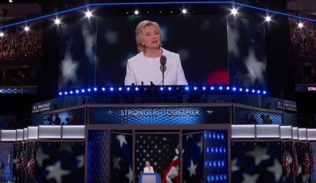 Hillary Clinton en su discurso de candidata