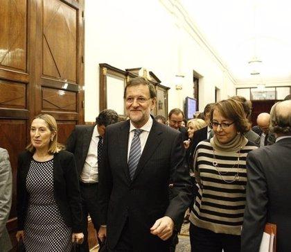 """Rajoy da por superado el """"ecuador"""" de la crisis del paro y ve más cerca lo 20 millones de ocupados"""